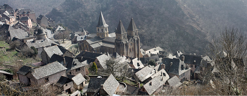 800px-Vue_Panoramique_de_Conques.jpg